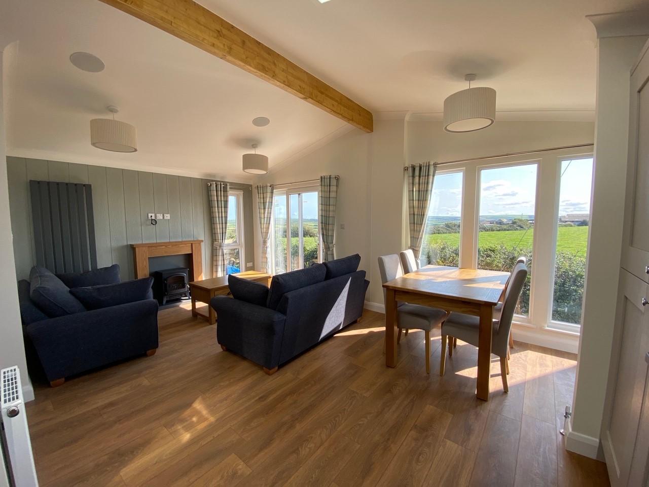 Willerby-Bespoke-Acorn-Lodge-3