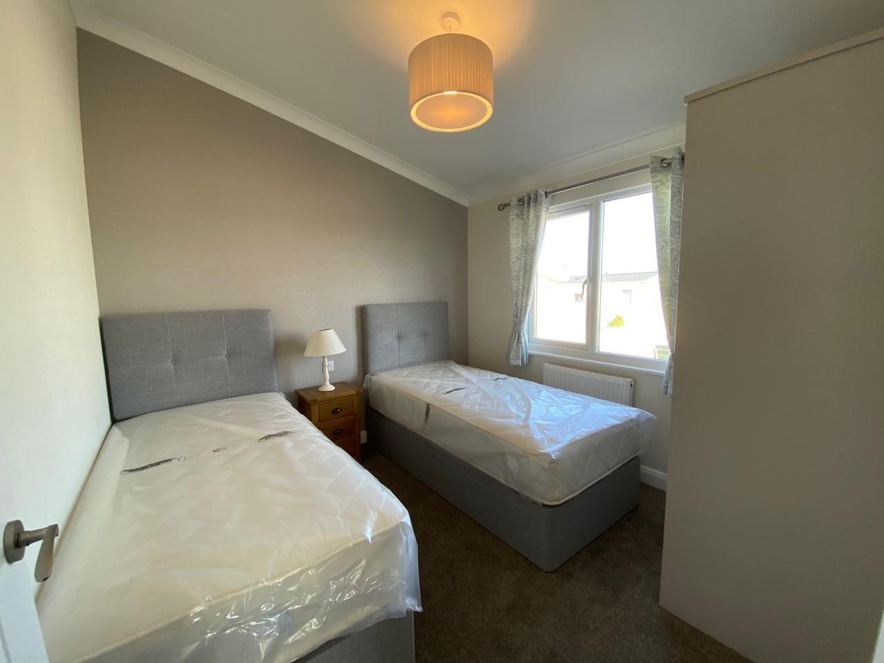 Willerby-Bespoke-Acorn-Lodge-4