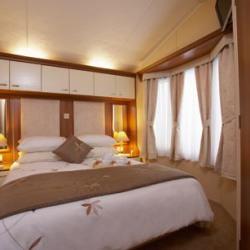 Willerby Aspen Bedroom.jpg